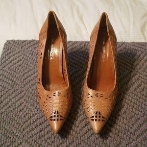 Via Spiga, Tan heels
